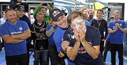 Jari-Matti Latvala (FIN), Jost Capito WRC Rally Germany 2016 Foto: Bodo Kräling