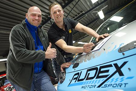 Tom Kristensson, SMK Hörby skriver nytt kontrakt AUDEX-basen Guideti Deppe för ADAC Opel Rallye Cup 2017.