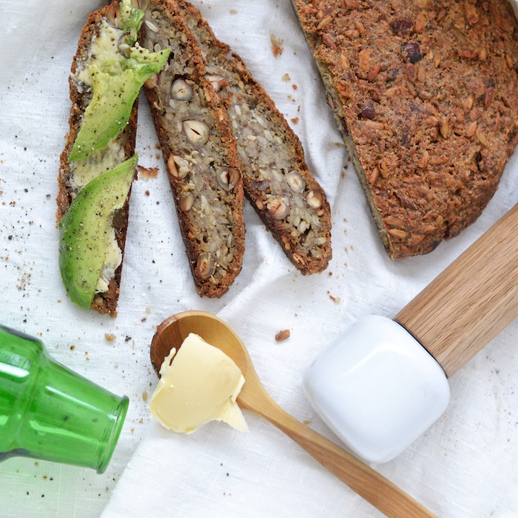 gluteenitonleipä_gluteenitonsiemenleipä_maidoton_yellowmood_leipä102