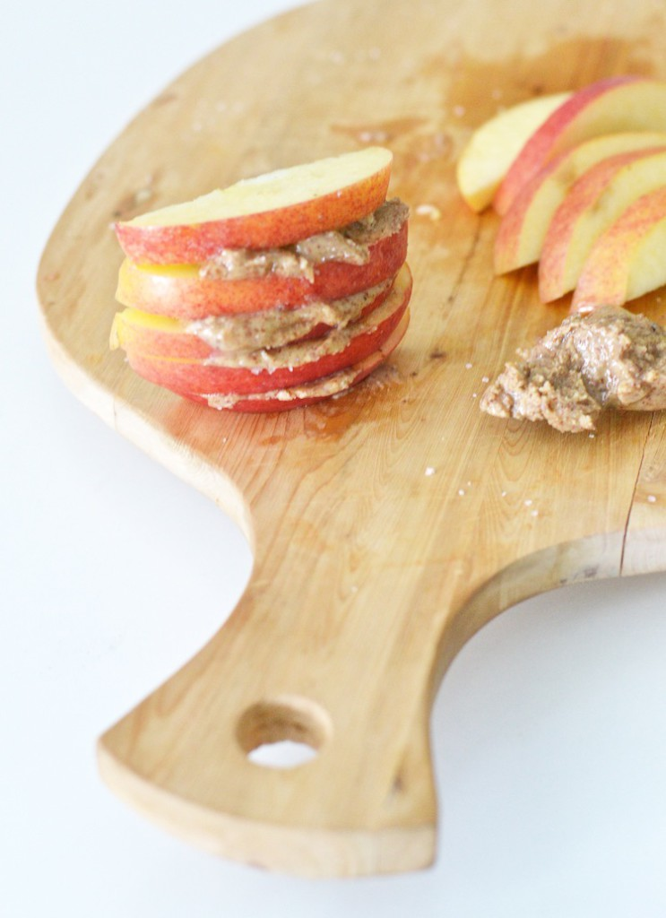 rawfood_apple_mantelivoi_superfood_glutenfree_yellowmood 1