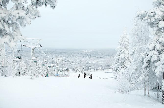 yellowmood_winter_rovaniemi_ounasvaara_skyhotelli_snow1