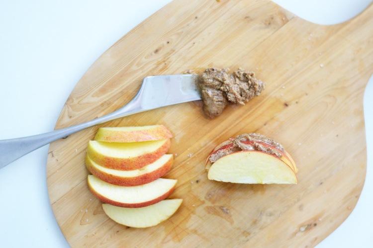rawfood_apple_mantelivoi_superfood_glutenfree_yellowmood 3