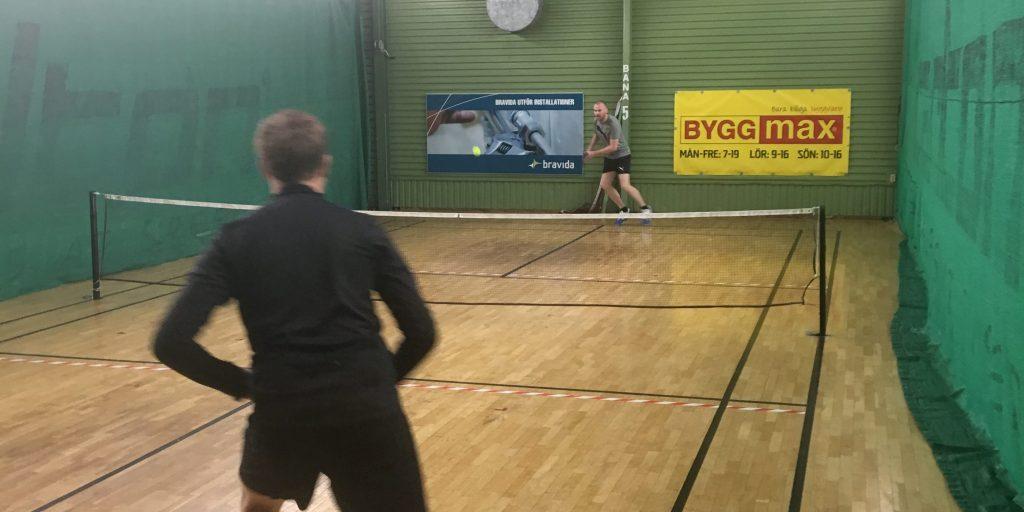 En tuff match mellan LearningWells Peter Sandberg och Emil Rondahl ...
