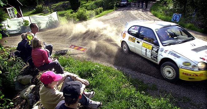 2002 05 26 henning Solberg på väg mot seger i South Swedish Rally. Bild. Tommy svensson