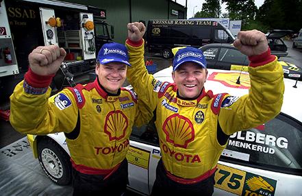 2002 05 26 Segrarna i South Swedish Rally Cato Menkerud, tv och Henning Solberg. Bild. Tommy svensson