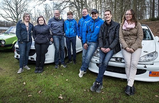 Inför Hässleholms GP, fr.v Maria Schultz, Anna Schultz, Mats Andersson, Simon Andersson, Joachim Grahn, Rickard Nilsson, Robin Svensson och Sandra Wybrands.