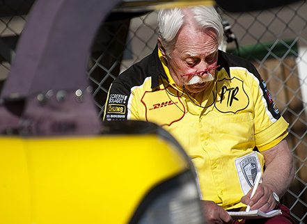 STCC-tester på Ring Knutstorp. Legendaren Pico Troberg följde sin adept Alexander Graffs varvtider noga.
