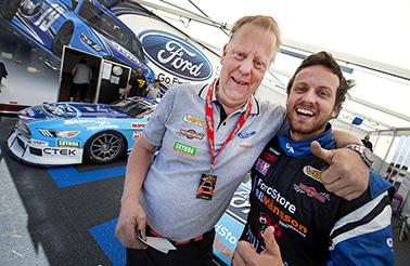 Mattias Lindberg, Vankiva kör V8 Thunder Cars på Lungbyhed för Bryntesson Motorsport, Thomas Bryntesson till vänster