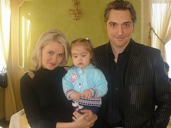 Михаил Горшенев с женой Ольгой и дочерью Александрой