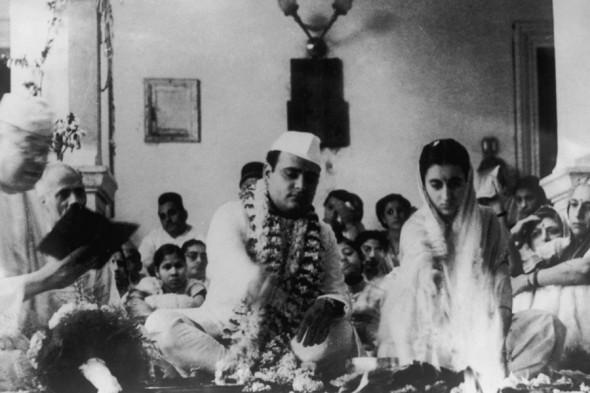 Свадебное фото Индиры и Фероза Ганди