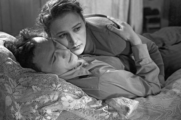 Нонна Мордюкова и Василий Шукшин — по признанию актрисы, между ними был «магнит», но Мордюкова была замужем и не решилась изменять Тихонову