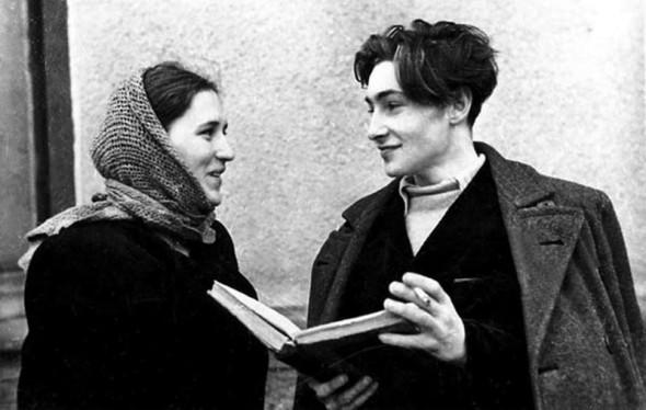 Нонна Мордюкова и Тихонов познакомились во ВГИКе, оба были юны и очарованы друг другом, но брак оказался несчастливым для обоих