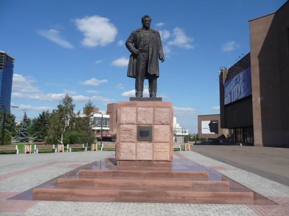 Памятник Астафьеву в Красноярске