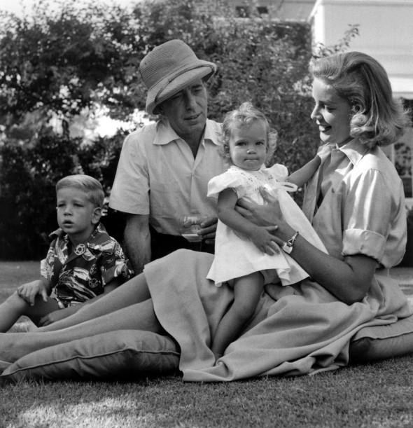 Лорен Бэколл с Хамфри Богартом и детьми