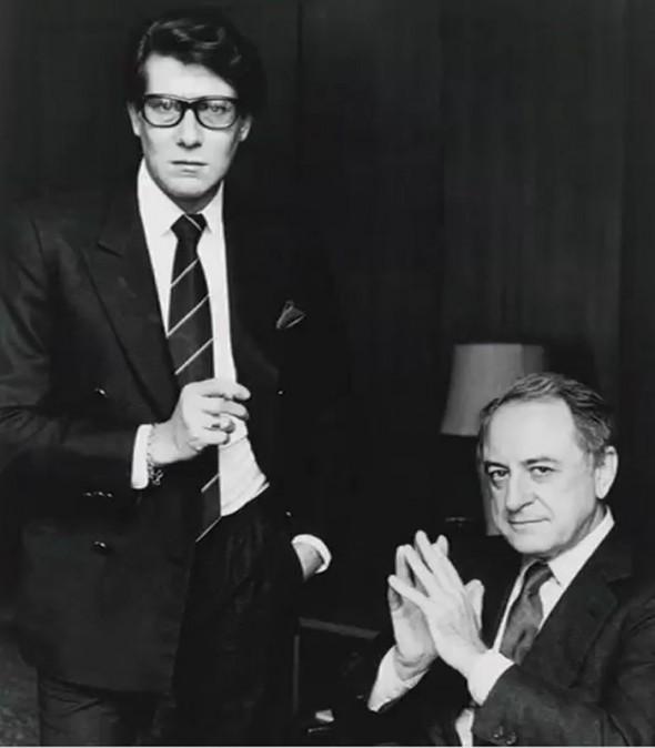 Ив Сен-Лоран (слева) с другом и партнером Пьером Берже
