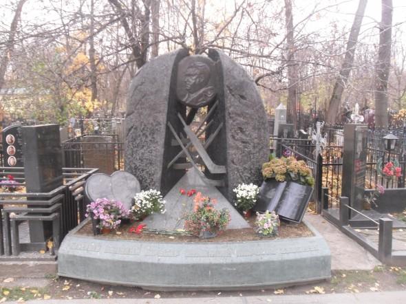 Могила Тарасова на Ваганьковском кладбище, Москва