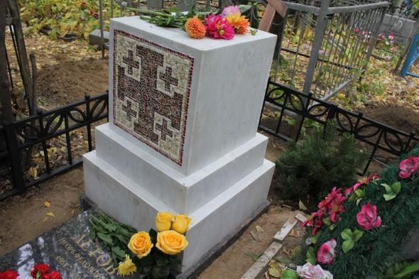 Памятник Летову на Старо-Восточном кладбище, Омск