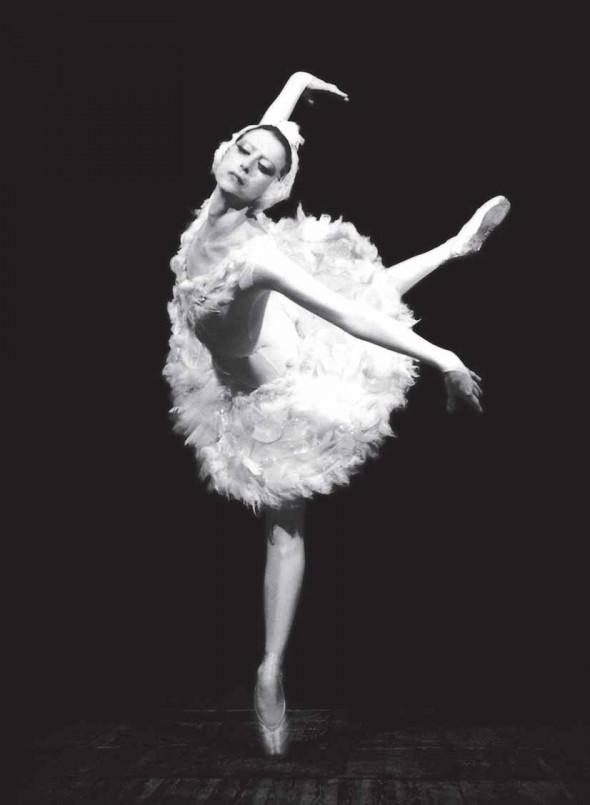 Майя Плисецкая в балете «Лебединое озеро»