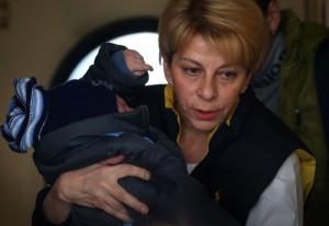 Доктор Лиза перевозит детей из Донецка