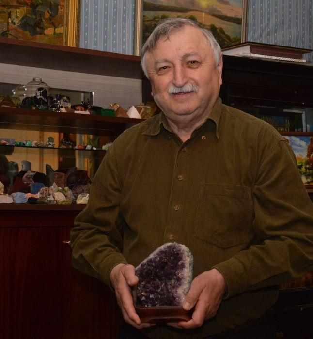 Горстка Анатолий Николаевич, искусствовед