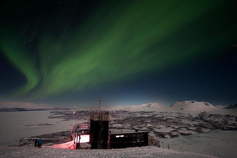 Aurore boréale depuis la station Aurora sky station