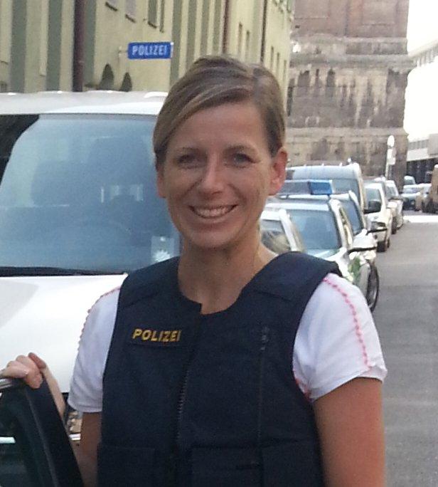 Steffi Tauscher - die Polizistin